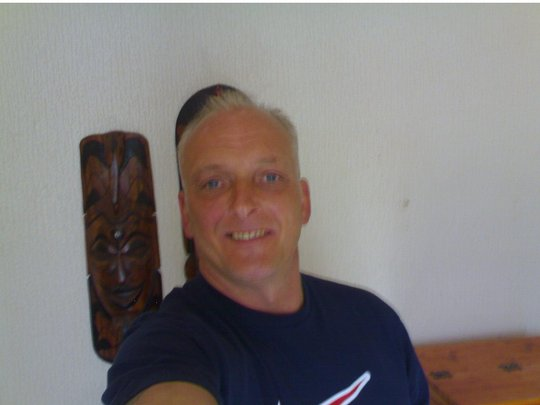 burnley personals Free dating service profile of man from united kingdom, england, burnley, hair gray, eye blue.